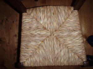 Asiento de silla tejido en enea