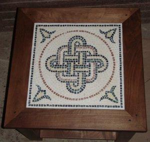 Mesa de nogal con mosaico romano