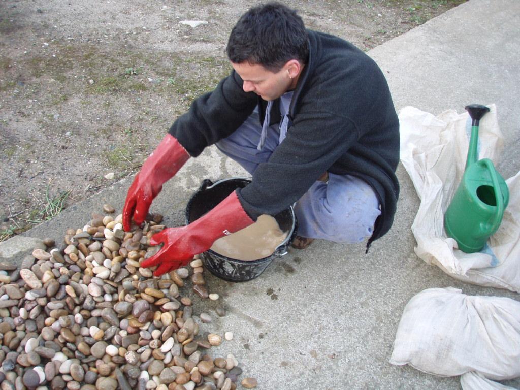 Donde conseguir piedras para mosaicos 1 artesania la - Piedras de rio para jardin ...