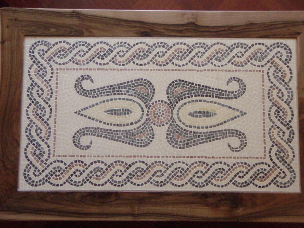 Mesa con mosaico romano 1 artesania la pasera for Mesa mosaico jardin