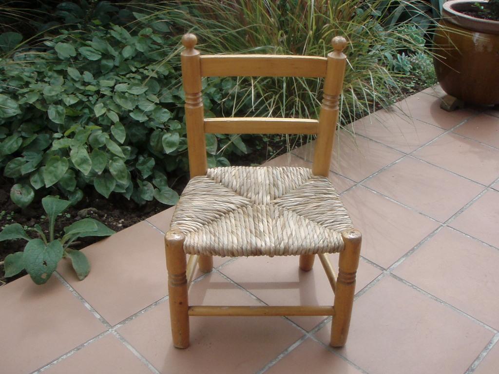 Como restaurar una silla 1 enea artesania la pasera - Restaurar sillas antiguas ...